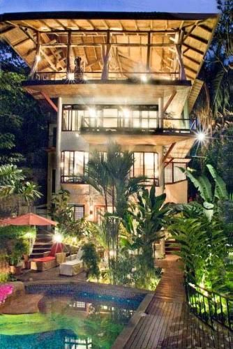 Costa Rica: Amazing Manuel Antonio beach rental with five levels, lap pool, pool house, wet bar, and an elevator #honeymoon