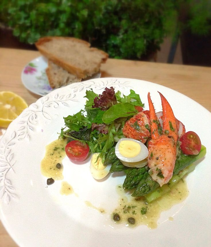 Lobster and asparagus salad,lemon caper dressing/ オマールとアスパラガスのサラダ、レモンケイパードレッシング