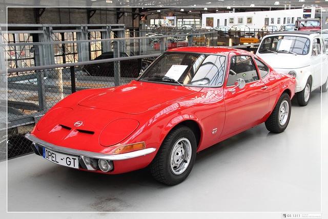 1968 - 1973 Opel GT #Opel-GT #windscreen #windblocker #winddeflector #windstop http://www.windblox.com/