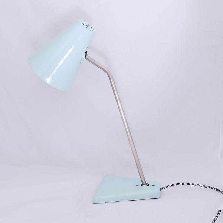 Polska lampa biurkowa z lat 50-tych #vintage #vintageshop #vintagefinds #polam #wilkasy #prl #polish #design #lamp