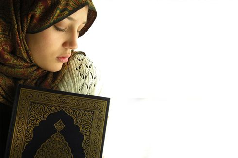 Ciri-ciri Akhlaq Wanita Sholehah