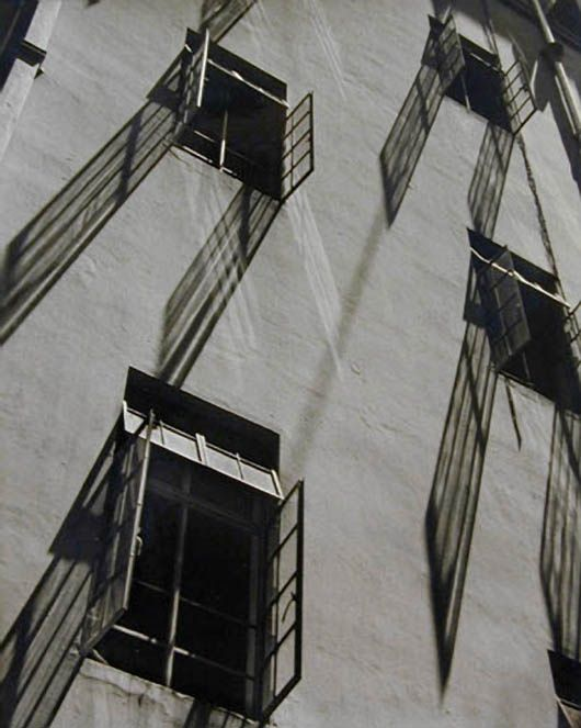 3wings: Windows and Shadows, 1952 Fan Ho