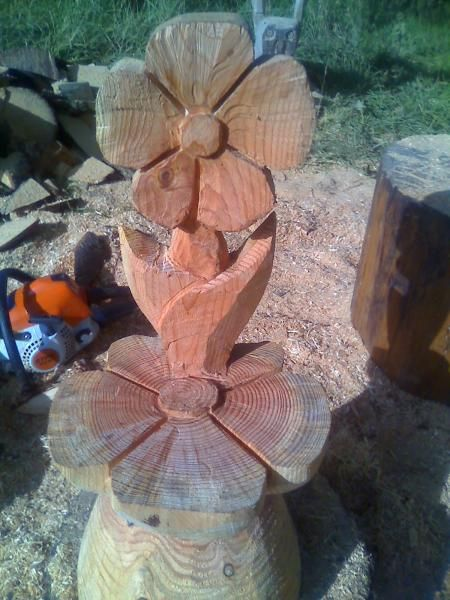 Flower chair chainsaw wood carving design ideas
