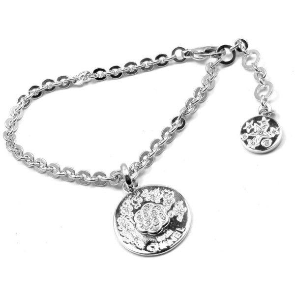 Pre-owned Chanel Camellia Comete 18K White Gold Diamond Link Charm... ($6,500) ❤ liked on Polyvore featuring jewelry, bracelets, 18k bangle, charm bracelet bangle, white gold charms, chanel charms and chanel bangle