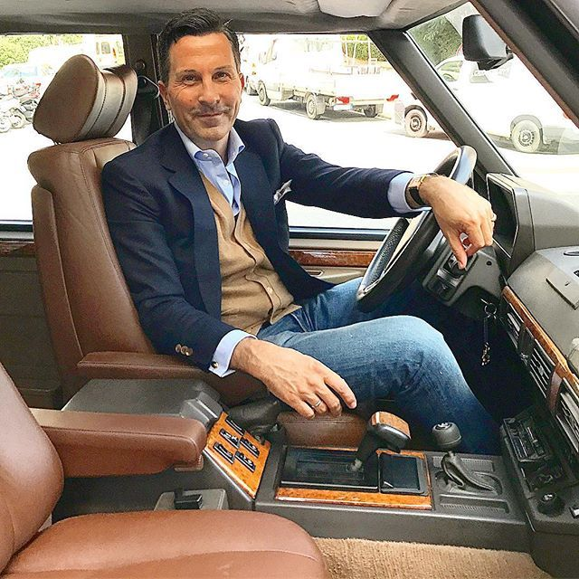 Muy feliz con el interior restaurado de mi Range Rover Classic ... #vintage #car #rangerover #carinterior #gentlemanstyle #casualstyle #casualfriday #menswear #mensfashion #picoftheday #dapper #dandy #ceo #lifestyle
