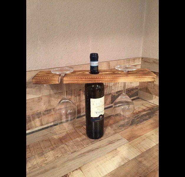 Wer einen außergewöhnlichen Weinflaschenhalter sucht, ist hier genau richtig. Ein absolutes Unikat und besonderes Geschenk für jeden Weinfreund. Die praktische und elegante Lösung. Speziell bei...