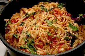 Spaghetti - Tomaten - Feta - Pfanne, ein raffiniertes Rezept aus der Kategorie Pasta & Nudel. Bewertungen: 80. Durchschnitt: Ø 4,0.