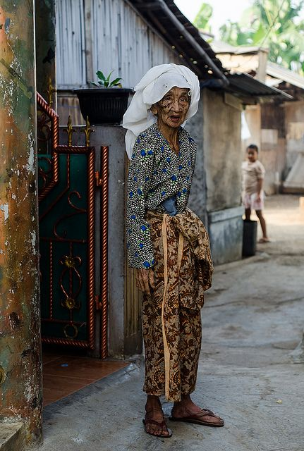 Jakarta slum granny . Indonesia