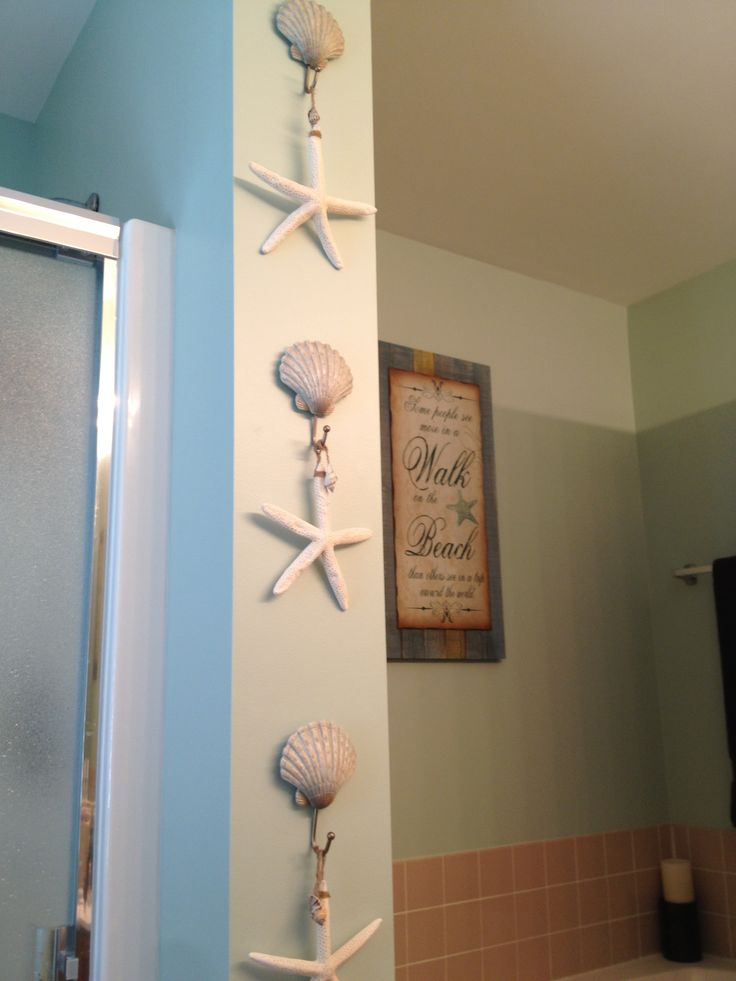 beach bathroom decor beach shell hooks from kohl 39 s and starfish from michael 39 s bathroom. Black Bedroom Furniture Sets. Home Design Ideas