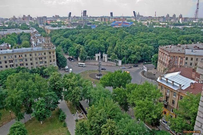 Вид Воронежа сверху, монумент «Слава советской науке»
