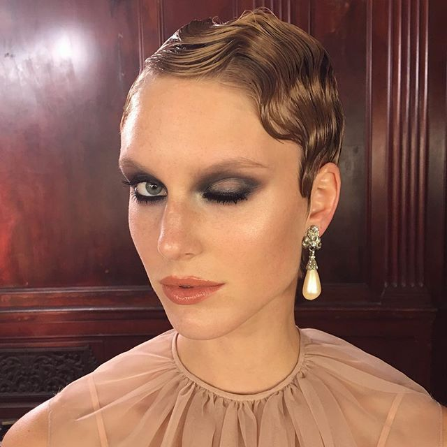 In love with this whole look! #Skin: @kohgendo #aquafoundation  #Eyes: @anastasiabeverlyhills #eyeshadows and #browwiz on the brows #Lips: @makeupforeverus  #team@hannahuenlich @kim.topmodel.2016 @anthonyhnguyenmakeup @gabriellamorenohair #gntm #gntm2016 #heidiklum #anastasiabeverlyhills #abhshadows #makeupforeverpro #kohgendo #anthonyhnguyenmakeup #1920smakeup #smokeyeye #corallips #fingerwaves