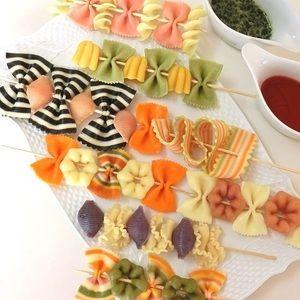 可愛いスティックパスタ*クリスマス*パーティー by BiBiすみれさん | レシピブログ - 料理ブログのレシピ満載! お好みのパスタをスティックに刺すだけ。お菓子みたいに可愛いおもてなしパスタ。スープに添えるのもおすすめです。