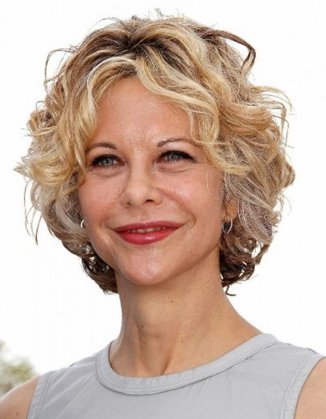 Short wavy hairstyles for over 50 women