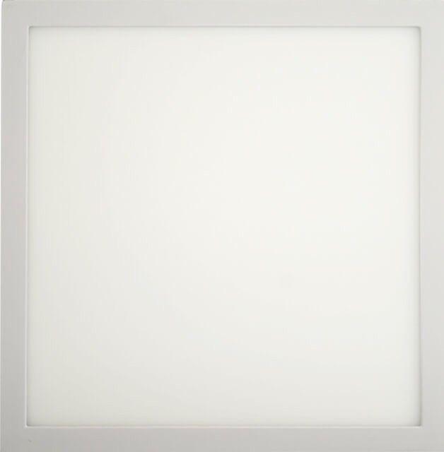 PLAFONIERA LED 24W PATRATA cu latura de 30 cm este potrivita spatiilor moderne. Este disponibila in doua temperaturi de lumina, alb cald sau alb rece.