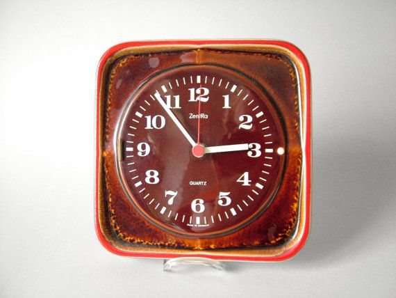 vintage horloge pendule de cuisine zentra horloge marron annes 70 horloge cramique horloge carre pendule de