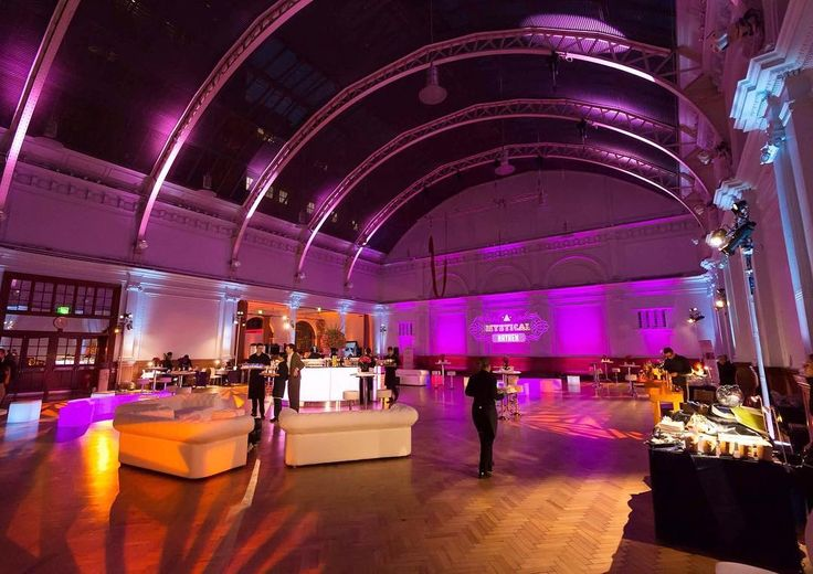 Lighting absolutely transforms our Lindley Hall. One of our preferred suppliers @pf.events used projected branding lighting wash spotlights and uplights to transfigure the hall for this incredible event! Check them out on our website or theirs  #av #production #venue #londonvenue #eventsupplier #lighting #eventprofs