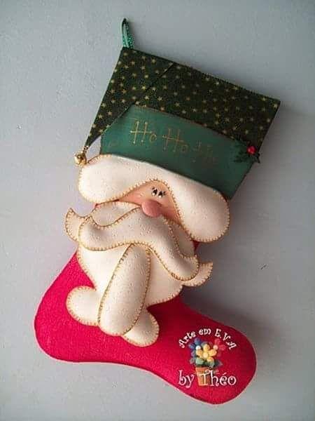 Você sabe qual o significado do uso das meias de natal na decoração? São Nicolau, precursor do Papai Noel, era de família rica e ajud...