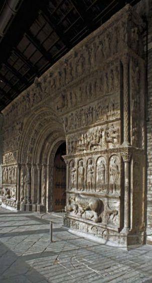 Rehabilitació del monestir de Santa Maria de Ripoll / Rehabilitación del Monasterio de Santa Maria de Ripoll / Restoration of the Santa Maria Monastery in Ripoll. TopGirona nº 39