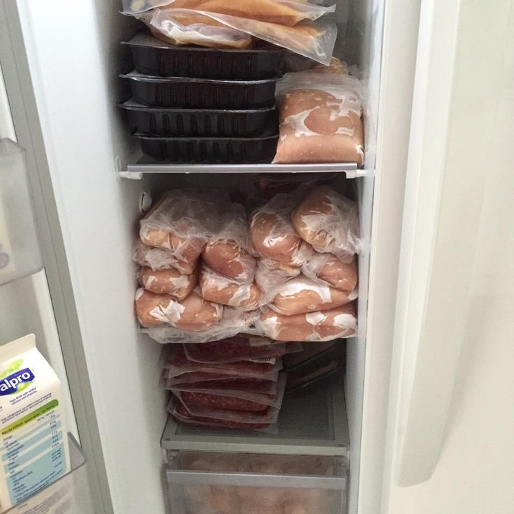 """Body-builder Mitch Gosling """"Fully stocked thanks @MuscleFoodUK for awesome service #eatclean #fitfam #fitness #superfood use code GOSLING1"""" www.musclefood.com"""