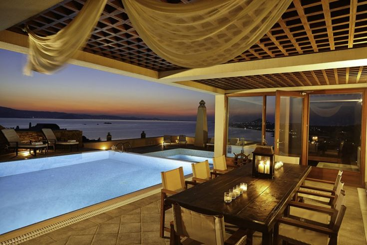 Holiday villa rental in Naxos. Luxurious private seaside villa with wonderful view in Naxos. The majesty of absolute luxury.The panorama of the...