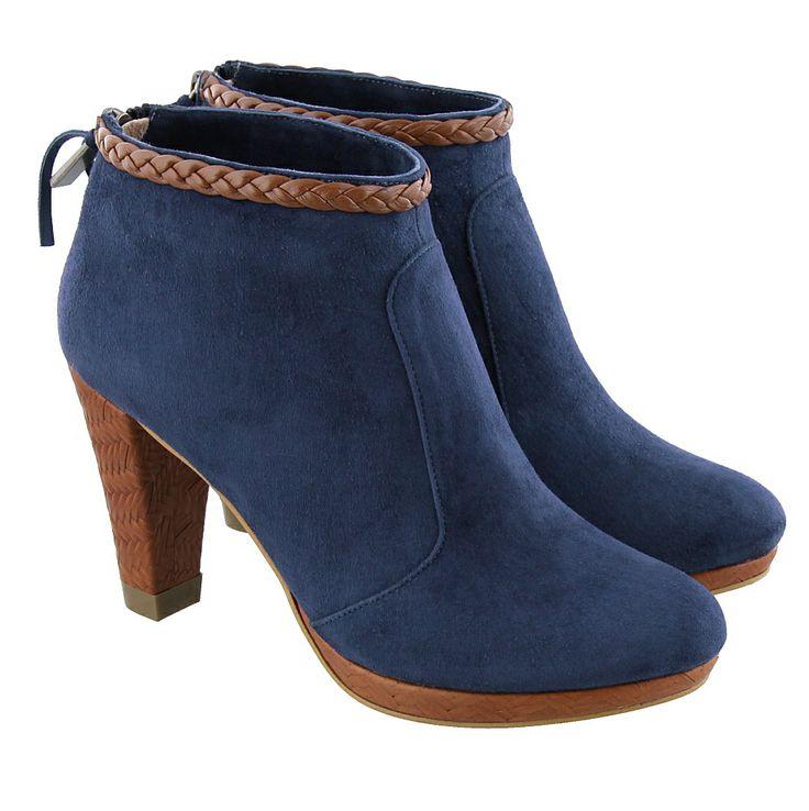 Colette Sol | Korte laarzen | 30121 Marine suede/ brown leather | blauw-suede http://www.dungelmann-schoenen.nl/collectie/damesschoenen/korte-laarzen/19691_blauw-suede_colette-sol_30121.html