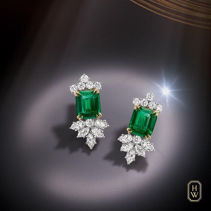 Harry Winston.  Emerald and Diamond Cluster Earrings. #HarryWinston #HighJewelry