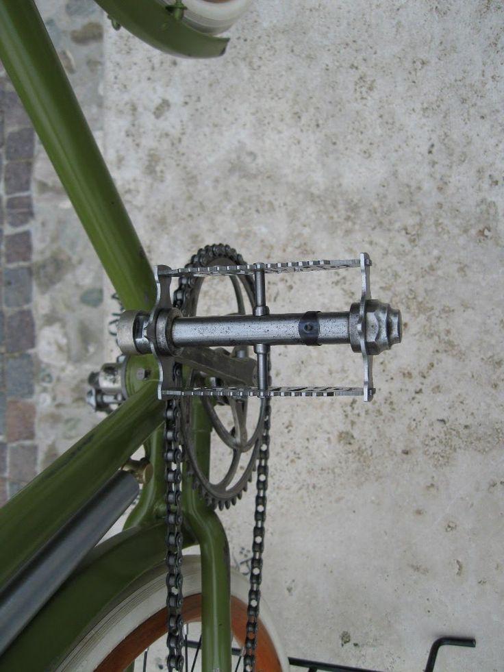 da lorenzo, un ottimo lavoro di recupero e restauro per questa eroica  bicicletta antica. Legnano da corsa del 1920! con giroruota, cerchi i...
