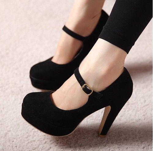 siyah topuklu ayakkabı http://www.pelinayakkabi.com/siyah-topuklu-ayakkabi/