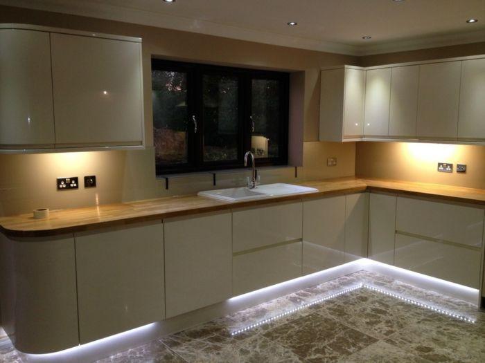 LED Küchenbeleuchtung \u2013 Funktional und umweltschonend die Küche - Küchenrückwand Glas Beleuchtet