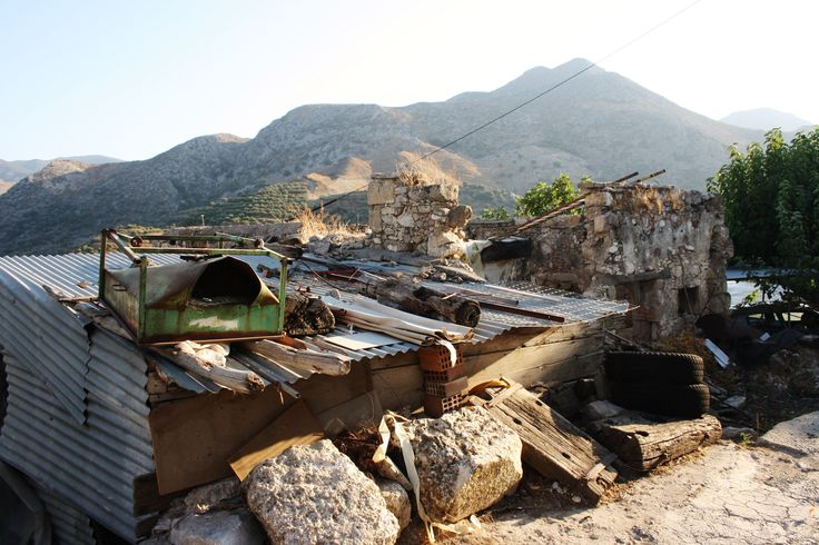 Contrast. Broken House. Standards Simple living. Polyrrinia. Crete. Greece.  Photo: http://se.pinterest.com/berggren_f