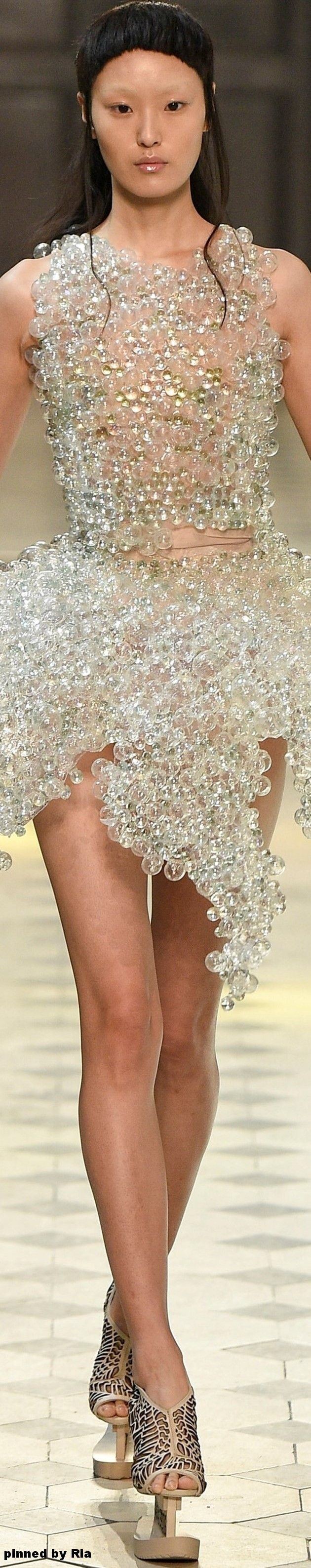 Iris van Herpen FW 2016-17 Couture l Ria