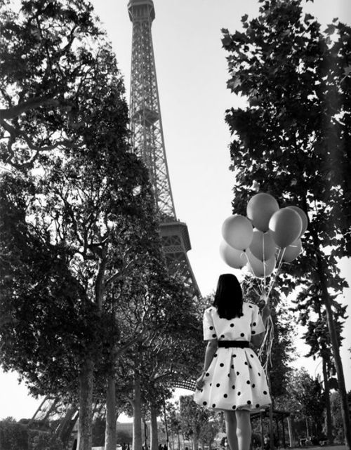 Bucket List: Eiffel tower: Hope this is me one day, cause I'd have the biggest smile, ever. Must see before I leave this place.