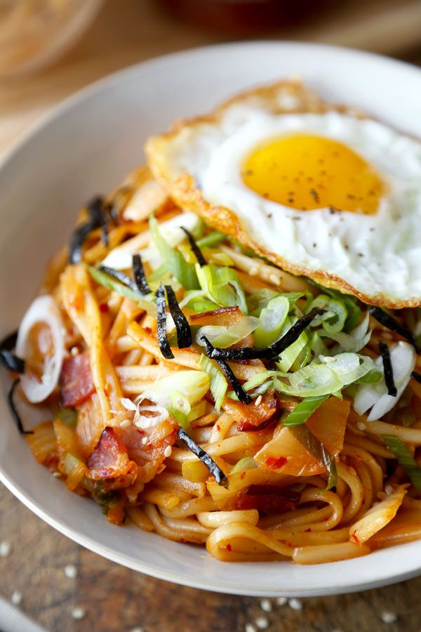Kimchi Udon Stir Fry - This is a sweet, nutty and spicy kimchi udon stir fry your whole family will love - and it only takes 15 minutes to make from start to finish!