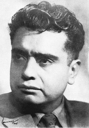 José Pablo Moncayo García, Pianista, percusionista, maestro de música, compositor y director de orquesta mexicano. Produjo algunas de las obras maestras que simbolizan de mejor manera la esencia de las aspiraciones nacionales, así como de las contradicciones en el México del siglo XX; su obra más significativa Huapango, mejor conocida como Huapango de Moncayo.