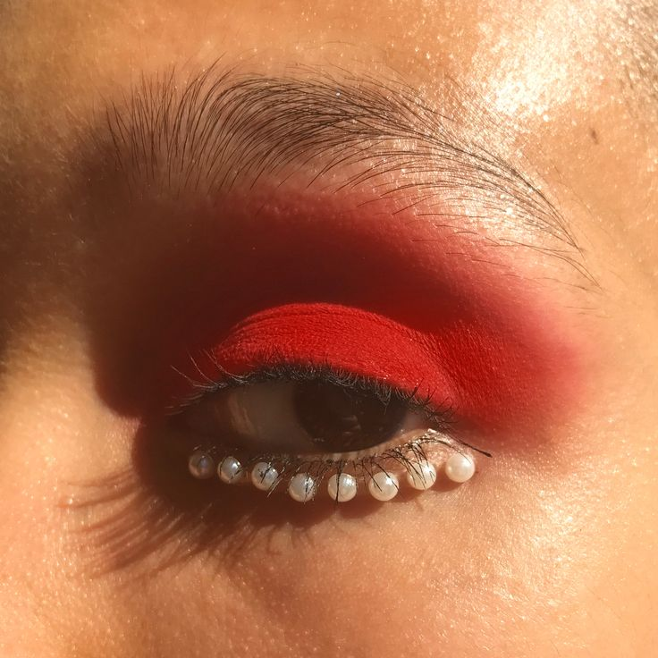"""2,434 Likes, 15 Comments - My name is BEA SWEET (@beasweetbeauty) on Instagram: """"Matte powder red lids & under-eye pearl liner makeup by me for @CasseyChanel, behind-the-scenes…"""""""