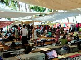 Anjuna Flea Market is another fad among tourists visiting Goa. This Wednesday market features what not! A great place to pick up some interesting stuff at reasonable prices.