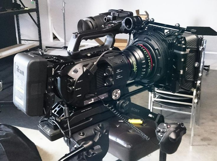"""#RIGSHOTS @focuspulling: """"All rigged up with the #FS7"""" by @camerajar"""
