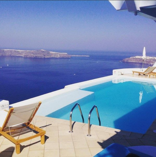 #AstraSuites hotel is located in the area of Imerovigli in #Santorini and it is listed among the 25 best hotels on a world scale, especially famous for the services it provides to its guests! http://www.tresorhotels.com/en/hotels/10/astra-suites