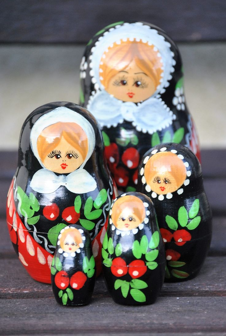 """Vintage Russian Nesting """"Matryoshka"""" Dolls. Set of 5 in Highly Sought After Classic Tradition Design. Attractive.  Fun for Children! by Joolzandnico on Etsy"""