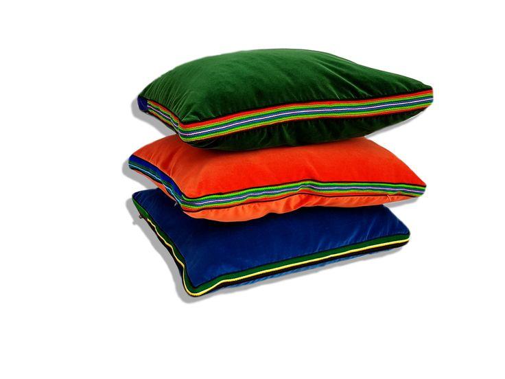 Zestaw energetyczny aksamitnych poduszek folk glamour / FOLKA #ladnerzeczy #targirzeczyladnych #ladnerzeczydziejasiewinternecie #polishdesign #design #folk #folkart