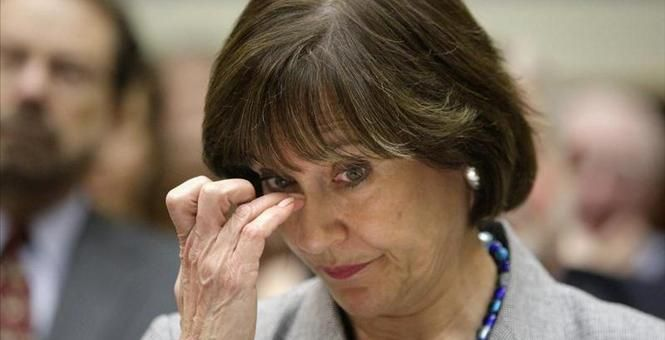 EMAILS SHOW LOIS LEARNER FORMER HEAD OF THE IRS WAS IN CONTACT WITH ERIC HOLDER IN ATTEMPT TO SILENCE GROUPS WHO OPPOSE THEIR ATTEMPTS TO CHANGE AMERICA INTO A SOCIALIST STATE.