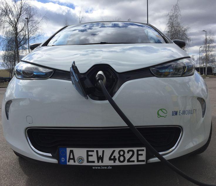 Mein Fahrbericht mit dem Elektrofahrzeug Renault ZOE beginnt mit der Zielgruppe, dem Preis und dem ersten Eindruck des Innenraums.