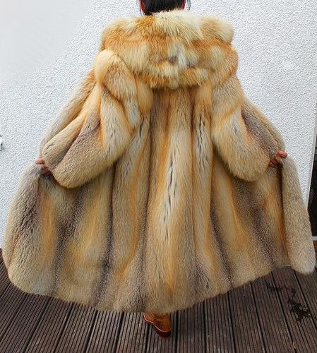 hooded golden island fox fur coat golden island fox. Black Bedroom Furniture Sets. Home Design Ideas