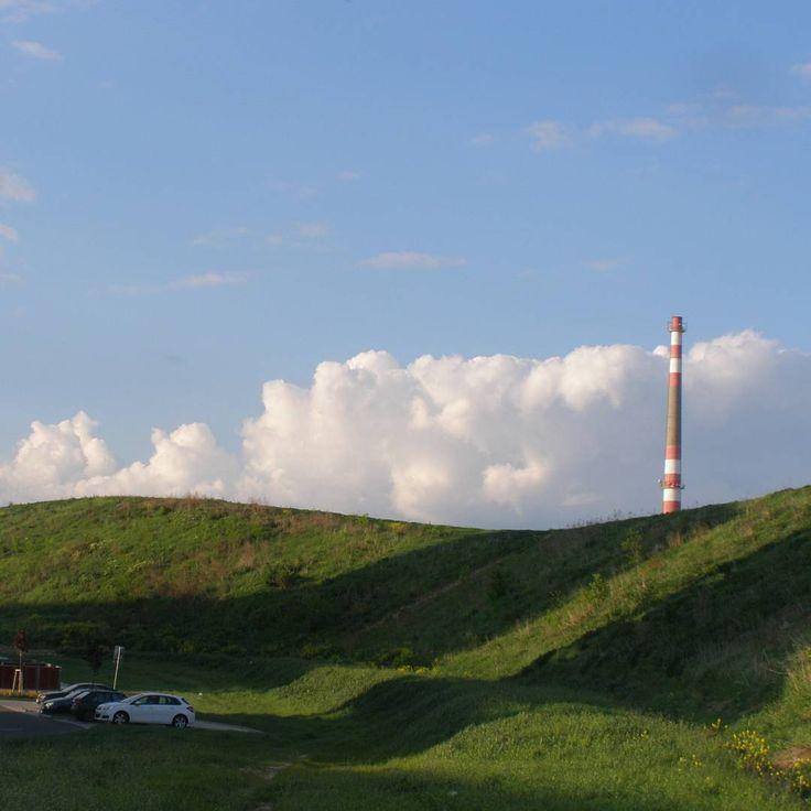 #photoshoot #photo #photography #photos #photoshoots #photoshootingday #photoshooting #surrounding #surroundings #country #landscape #scenery #czechrepublic #sky #thatskyisawsome #touchthesky #cloud #clouds #prettyday #hill #greenhill #grass #smokestack #humanvsnature