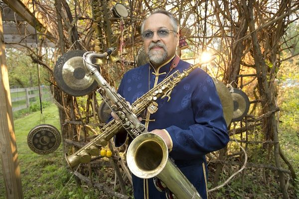 Lovano To Headline Dominican Republic Jazz Fest  One of this year's headliners is saxophonist-composer Joe Lovano, who will perform on Nov. 8 with a quartet at Cabarete Beach, sharing the bill with Dominican percussionist Edgar Molina and an ensemble culled from the Berklee Global Jazz Institute, under the direction of tenor saxophonist Marco Pignataro.  Read the rest at http://www.downbeat.com/default.asp?sect=news&subsect=news_detail&nid=2564