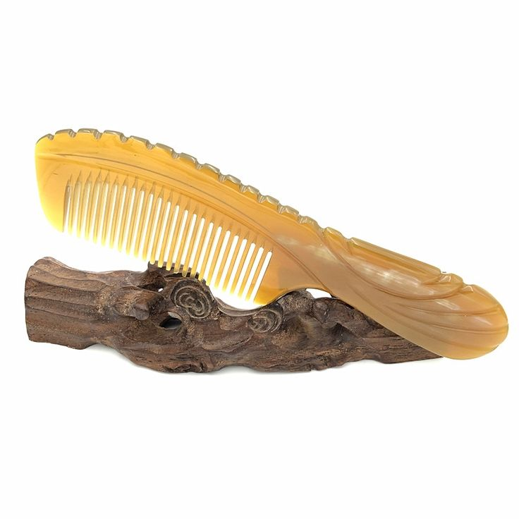 23.44$  Buy now - http://ali7co.shopchina.info/go.php?t=32621703865 - Hand-made Boutique Carved Natural Yak Horn Comb Free Velvet Pouch Detangling Hair Brush Hair Care Accessories L-006 23.44$ #aliexpress