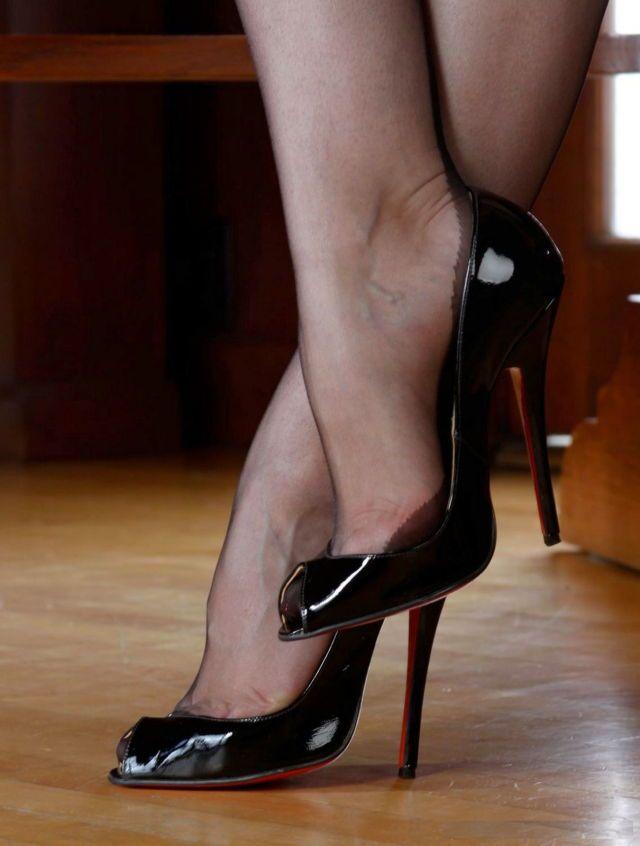 Black high heels gallery nude photoshoot
