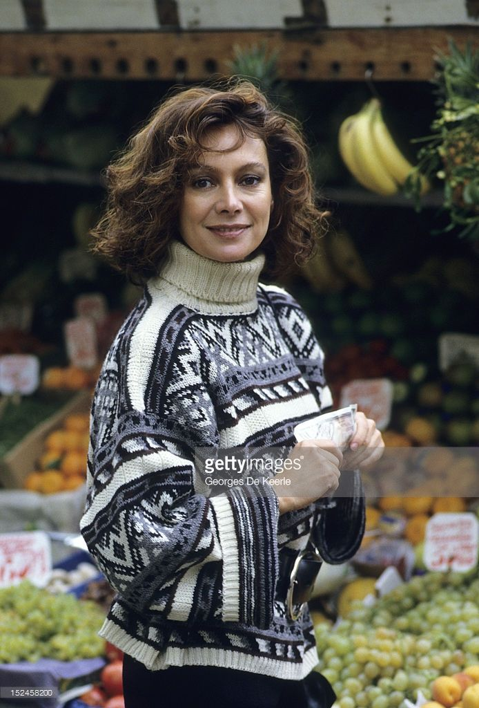 Francesca Annis poses on December 1985 in England. Actress Annis stars along…