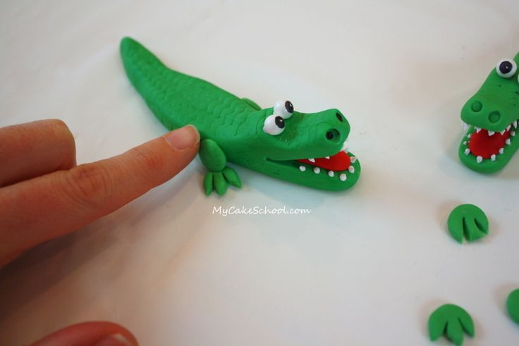 Fondant Alligator Tutorial
