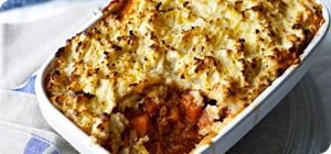 This farmhouse family favourite has been given a Slimming World make-over and tastes just fab. Serve with fresh veggies for a delicious dinner.